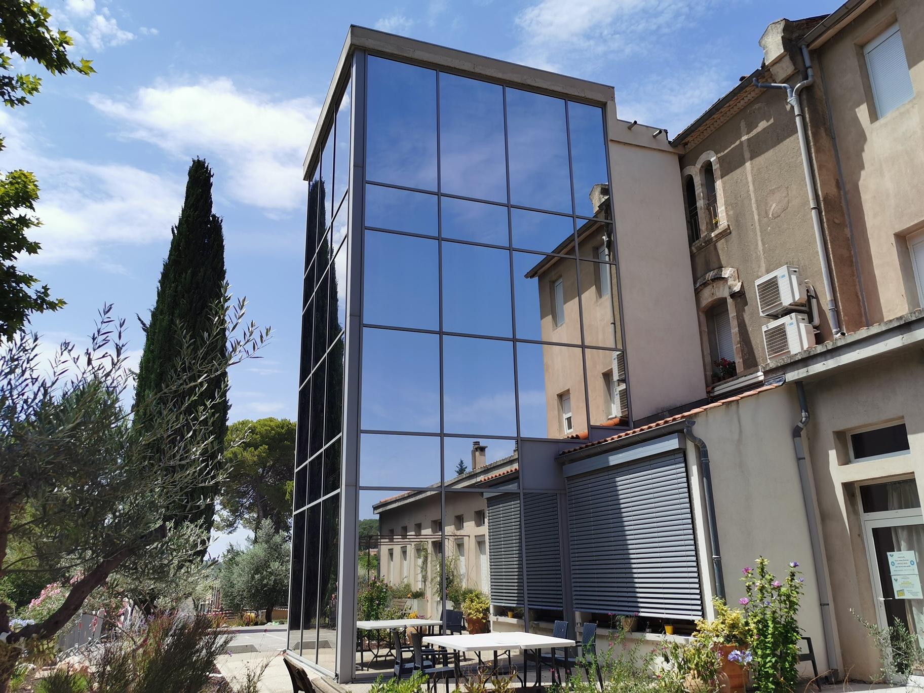 Solis Concept : Pose de films solaires occultant sur fenêtres