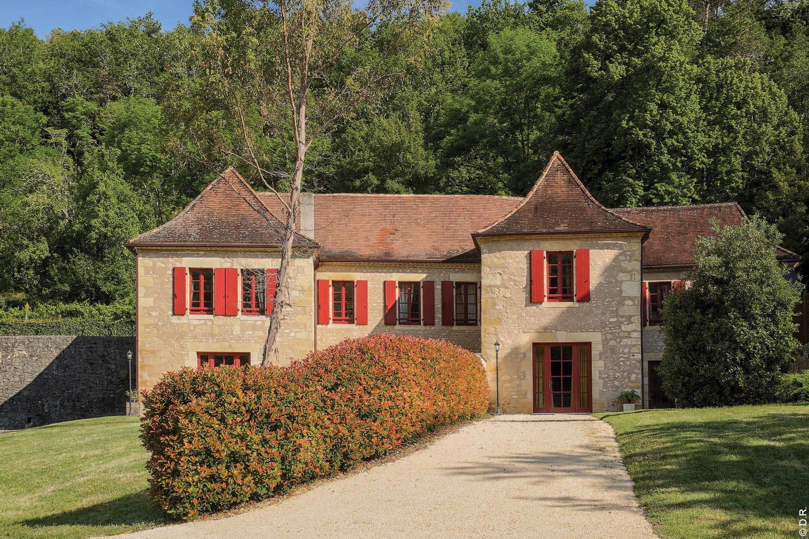 Le domaine Comtesse de Dordogne vous accueille dans un cadre unique, chargé d'histoire et tout confort