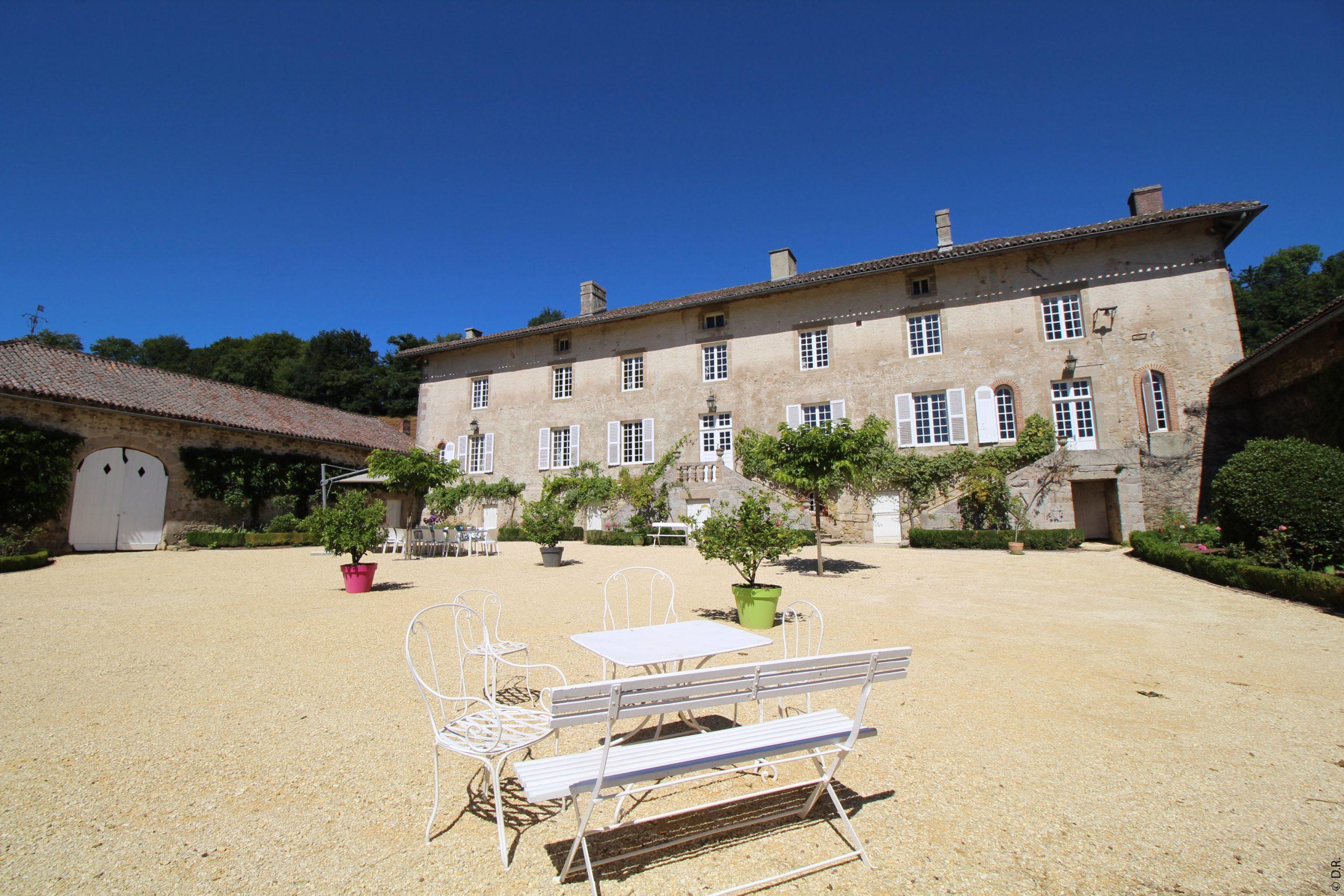 Le charme et l'authenticité du Domaine du Vignau, maison de caractère dans le Limousin